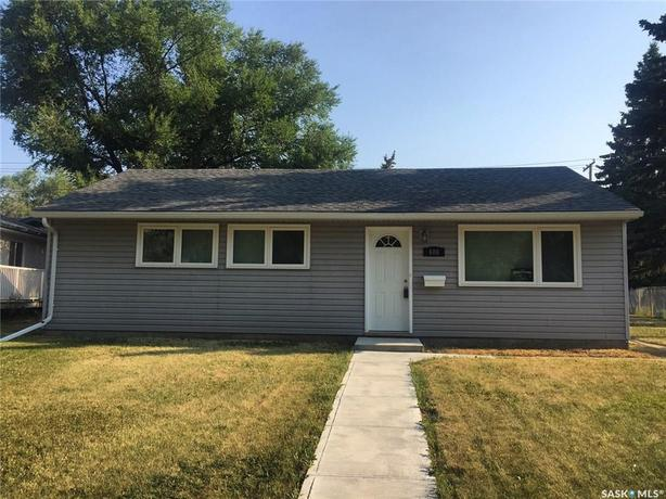 606 Williams Crescent - Great Rosemont House for Rent