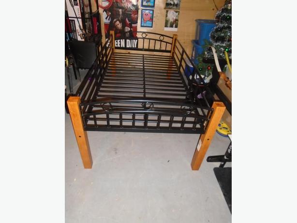 Twin Bedframe w/ Side Rails