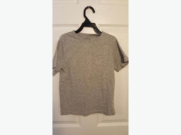 Grey tshirt (size 5)