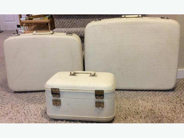 Vintage Luggage/Suitcase - Carson Travelite Train Case