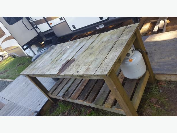 HEAVY DUTY WORK BENCH FOR SALE
