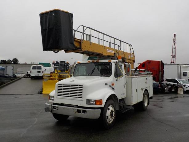 1999 International 4700 DT466E Bucket Truck Diesel with Air Brakes