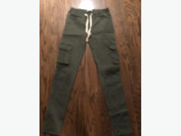 LADIES SIZE MEDIUM FOREST GREEN SIRENS PANTS - FIT LIKE A SMALL