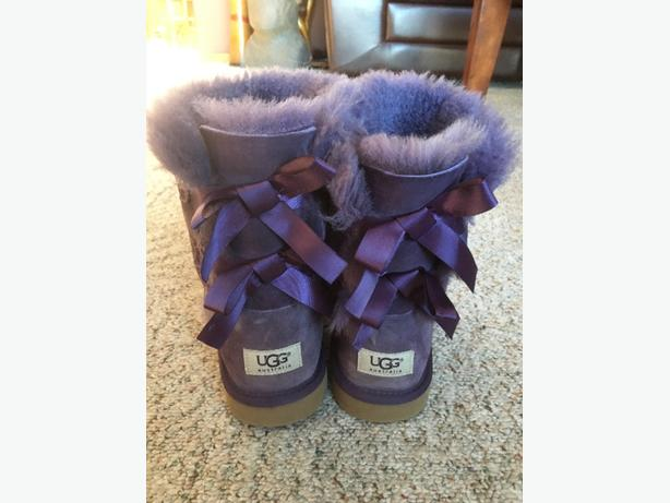 UGG Bow Boots Girls Size 6