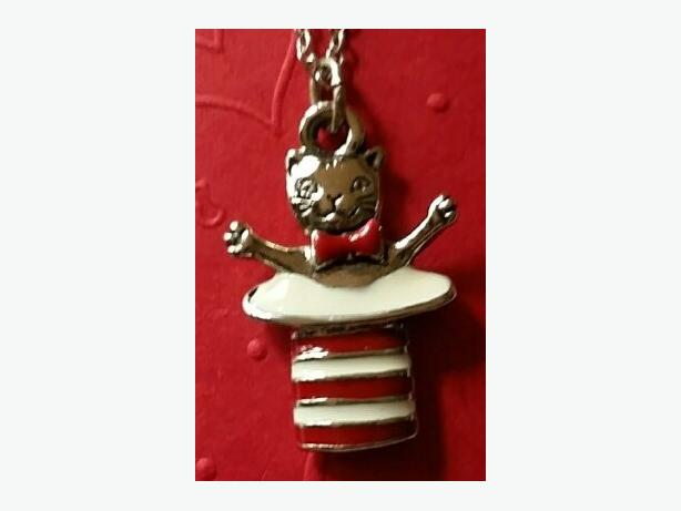 """Cat in the Hat""  Necklace"
