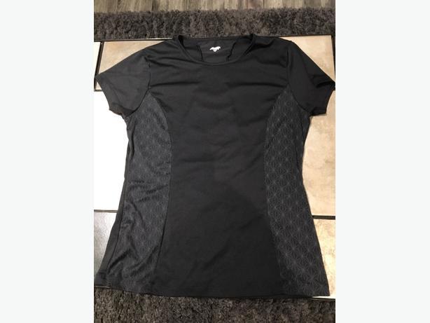Avia Women's Large Short Sleeved Shirt For Sale - Like New!