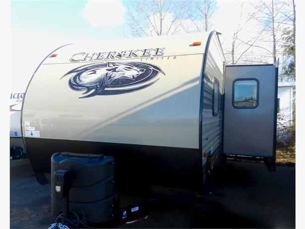 2017 Forest River 264CK - Immaculate Like-New Bunk Unit! Check This Out!
