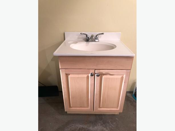 vanity ,top and taps 75 obo
