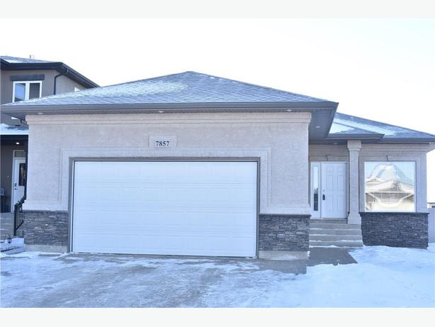 Spacious 3bed/2bath home in a great neighbourhood!