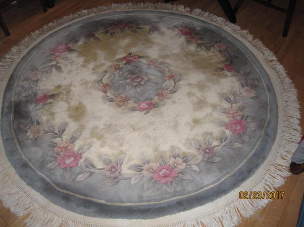 Large round Rug