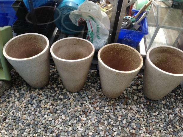 4 Outdoor Pots