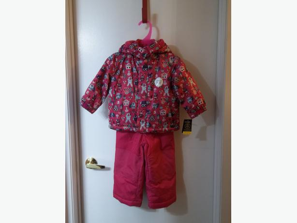Brand new 2piece snowsuit for girl size 2t