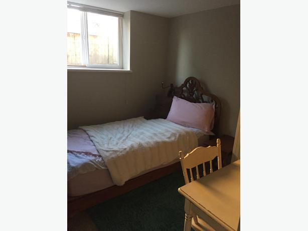 Two rooms in Fernwood house w kitchen and bathroom for only two people