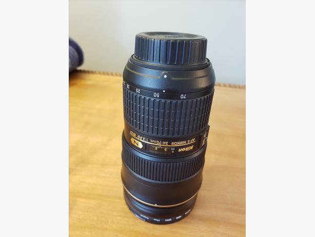 Barely Used MINT Nikon AF-S 24-70mm f/2.8 G IF-ED Nikkor Zoom Lens