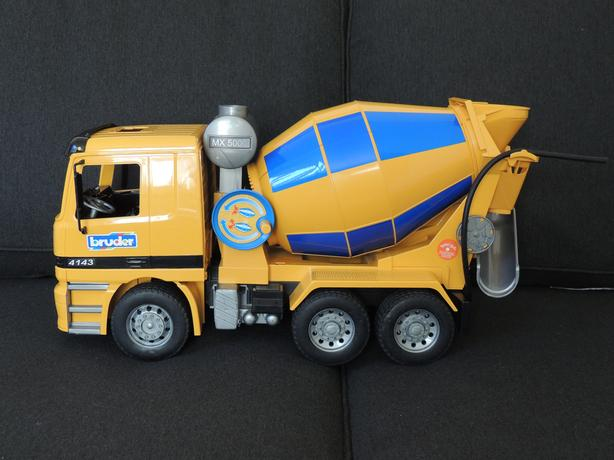 Bruder Cement Mixer Truck, great shape, indoor use only