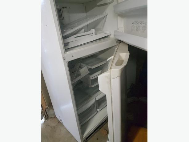 FREE: 32 inch fridge