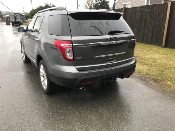 2013 ford exploer xlt awd 7 passenger