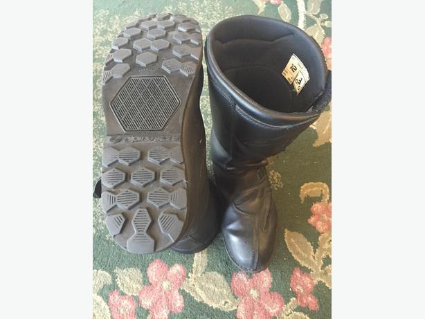 Alpinestars boots