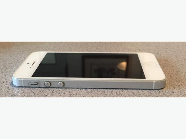 iPhone 5, 16 GB, White, Mint Condition
