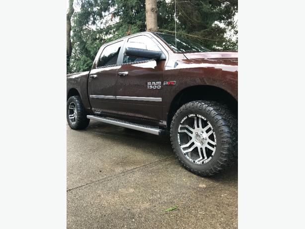 "20"" mickey thompson tires and edge rims"