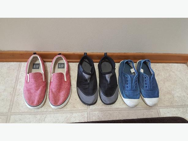 Boys shoe lot size 3