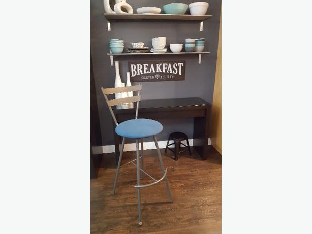 3 tall bar swivel bar stools