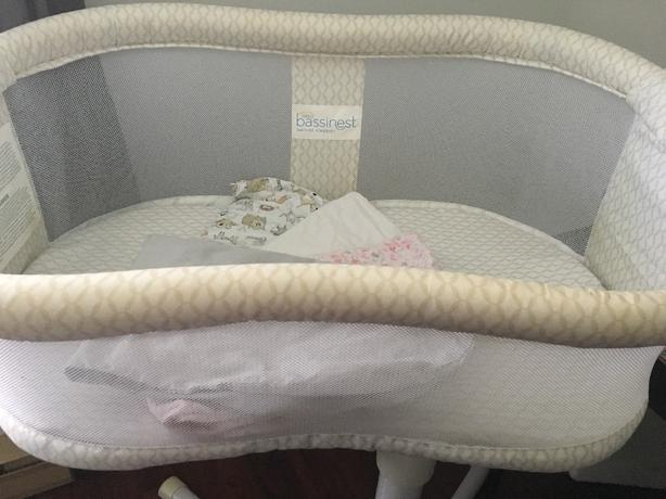 Halo Bassinest Essentia Bassinet
