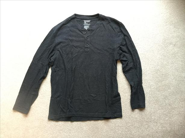 Old Navy Long-Sleeved Henley (Men's L)
