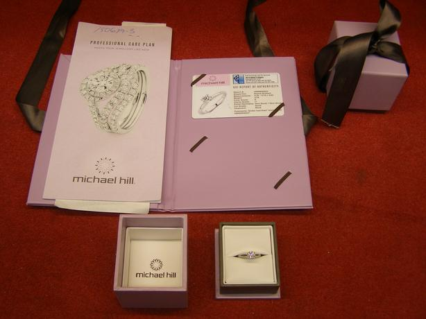 Ladies 14K ring with an approx. 0.79 ct solitaire diamond with GSI report