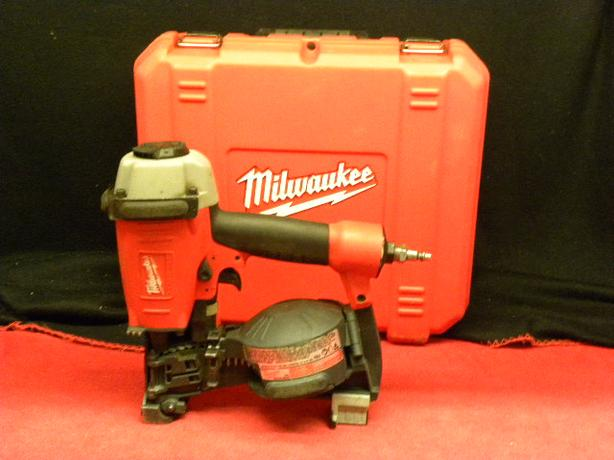Milwaukee Coil roofing nailer with removable shingle guide