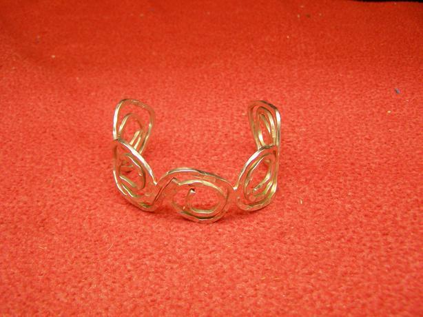 Circular style abstract 925 silver bracelet