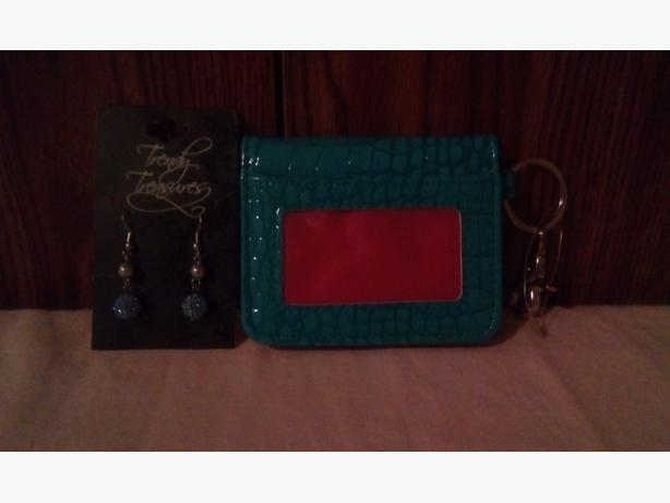 FREE Trendy treasures earrings & wallet/key chain