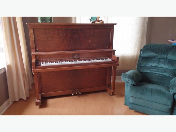 FREE: Upright Piano