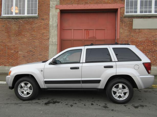 2006 Jeep Grand Cherokee Laredo 4WD - ON SALE! - NO ACCIDENTS!