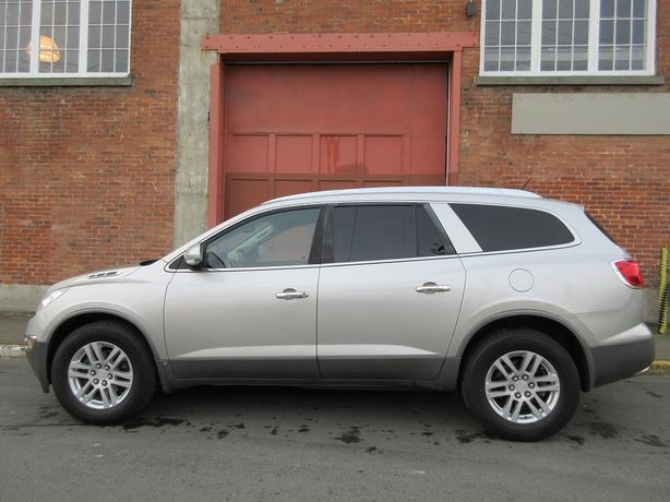 2008 Buick Enclave CX AWD - 3RD ROW SEATING! - NO ACCIDENTS!