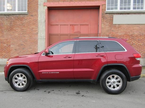 2015 Jeep Grand Cherokee Laredo 4WD - NO ACCIDENTS!