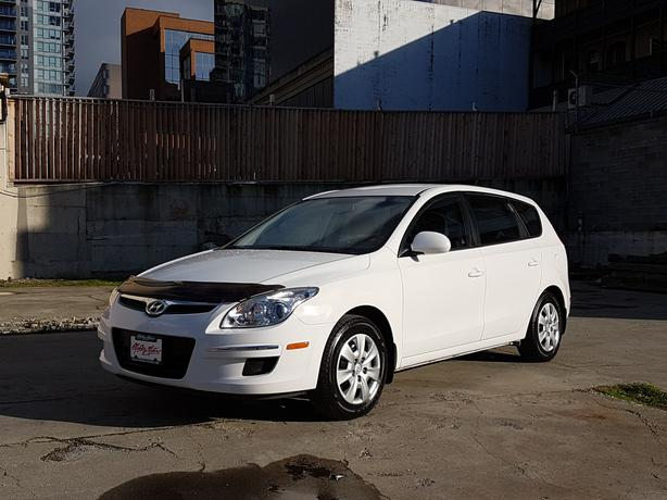 ** 2012 Hyundai Elantra Touring - 73K - Auto - Hatchback