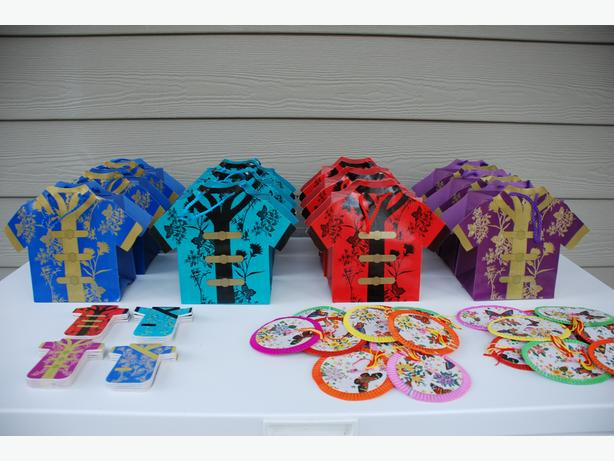 Party Supplies - Matching Gift Bags & Notepads (Chinese shirt theme)