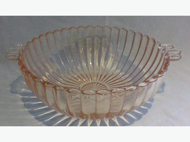 Anchor Hocking Queen Mary Pink deep bowl