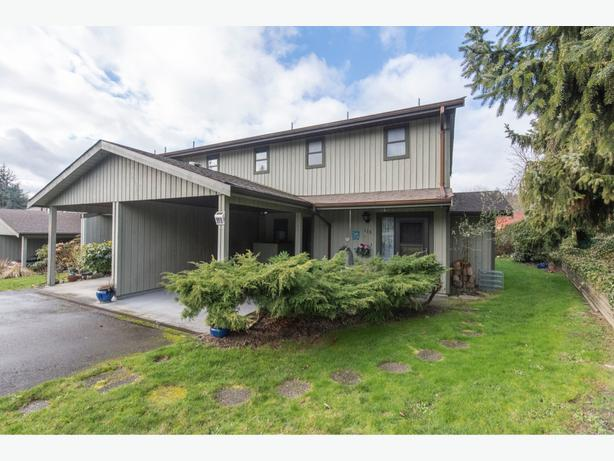 Move to Chemainus on Vancouver Island