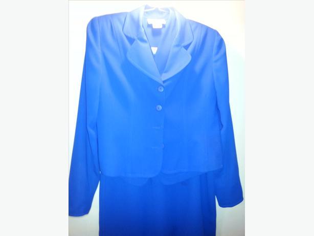 Price Reduced!!!  Ladies Size 14 Dress Suit
