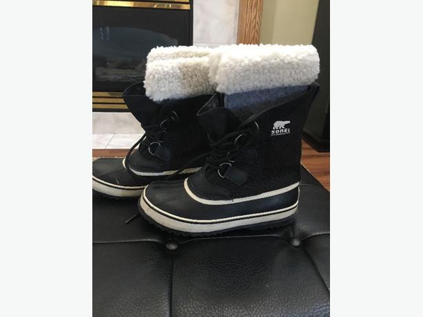 Women's size 6 Sorel winter boots