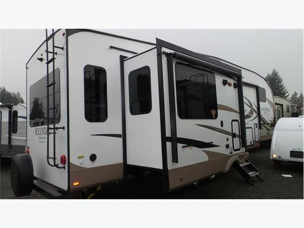 2018 Forest River Rockwood Signature Ultra Lite 8289WS -