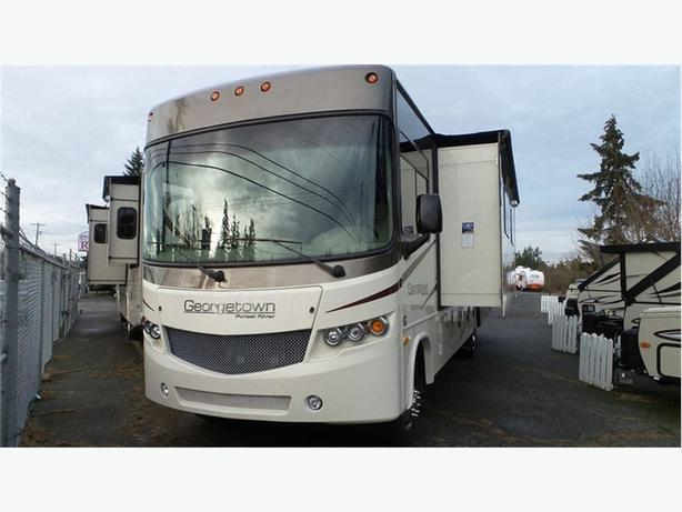 2017 Forest River Georgetown 335DS -