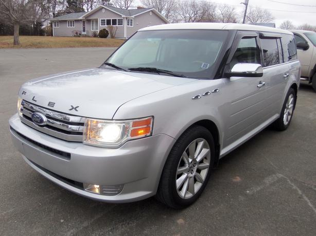2011 FORD FLEX LIMITED FRONT WHEEL DRIVE !! HEATED LEATHER, DVD !!