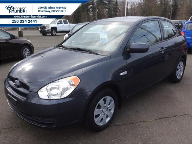 2010 Hyundai Accent GL  - one owner - local - trade-in