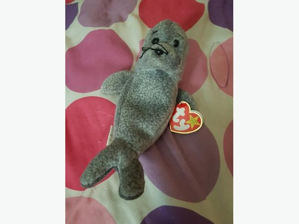 Slippery the seal beanie baby with tag errors
