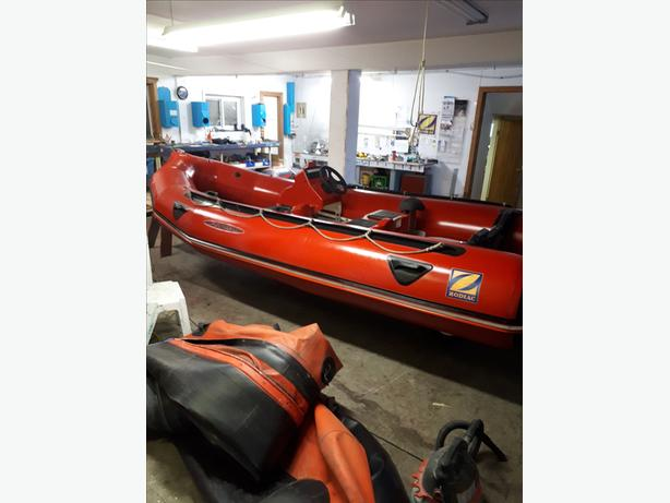 INFLATABLE boat repairs and service Central Saanich, Victoria
