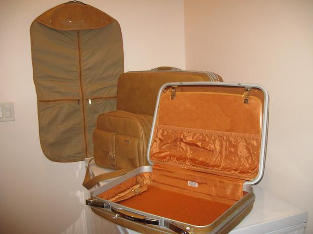 SAMSONITE 4PC. LUGGAGE SET