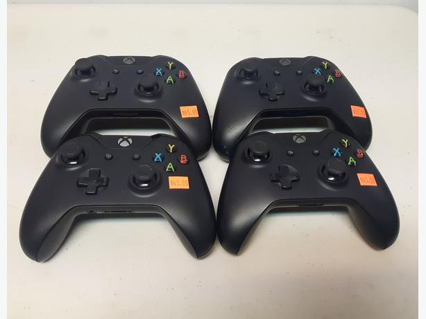Official Microsoft Xbox One Controllers